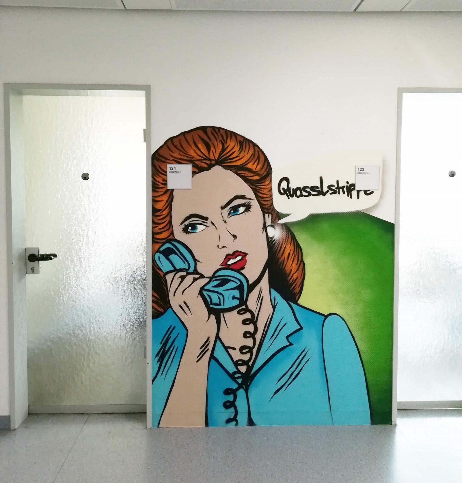 Innenraum Graffiti Oberhausen Jobcenter Telefonistin