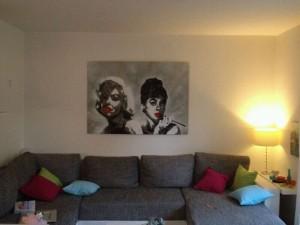 Graffiti auf MDF Marilyn Monroe und Audrey Hepburn