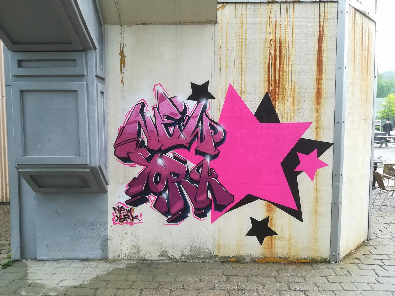 NewYork Graffiti Moviepark Bottrop Schriftzug Stern
