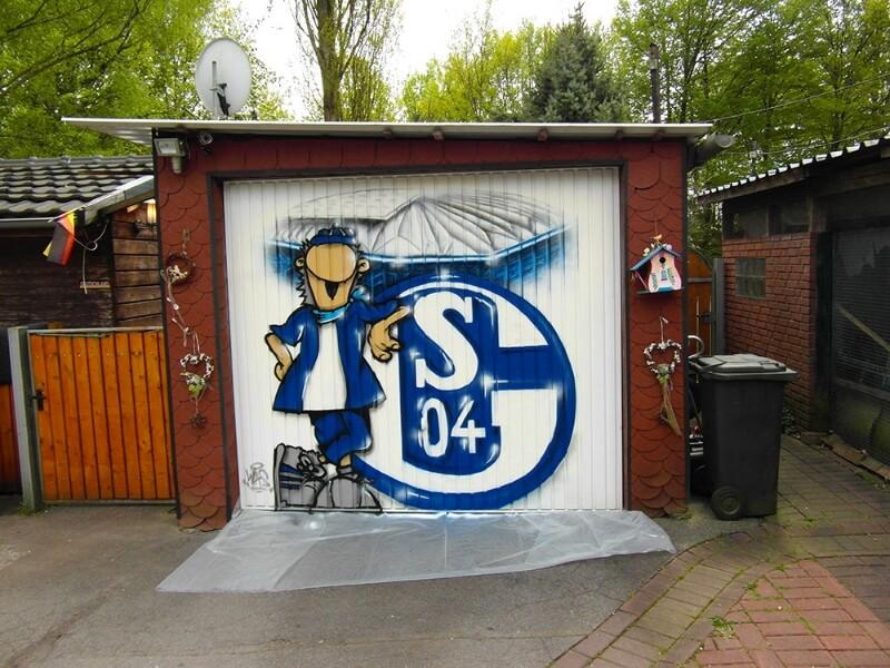 Schalke Graffiti auf einer Garage in Dorsten