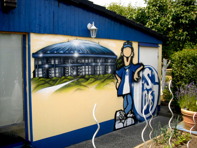 Schalke Graffiti im Kleingartenverein Erwin Arena Schalke Logo