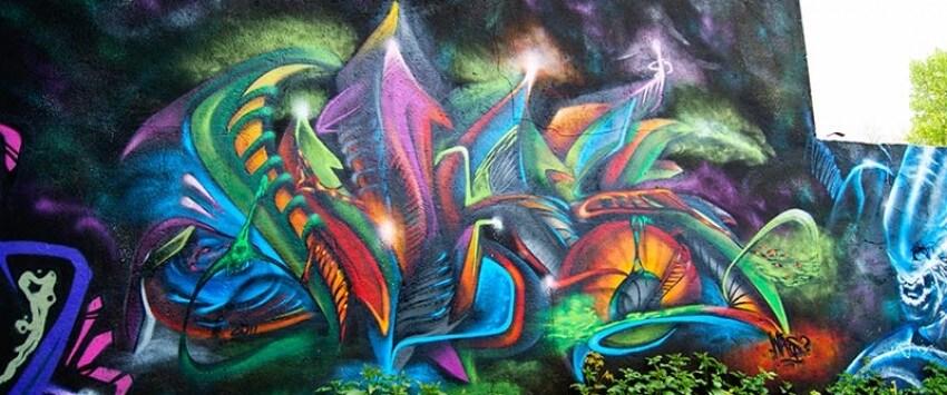 Graffiti in Gelsenkirchen Feldmark hinter der Tankstelle