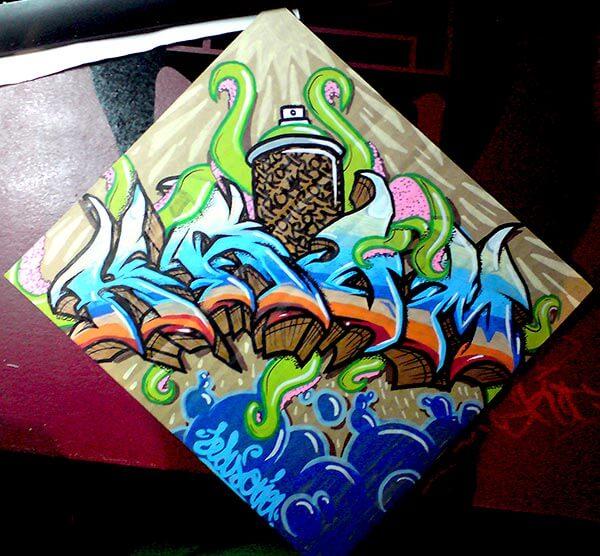 Graffiti auf Karton Krom Kranke Spraydose