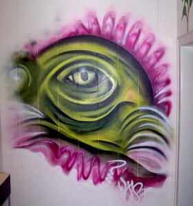 Echsenauge Graffiti auf Panelen in Dorsten