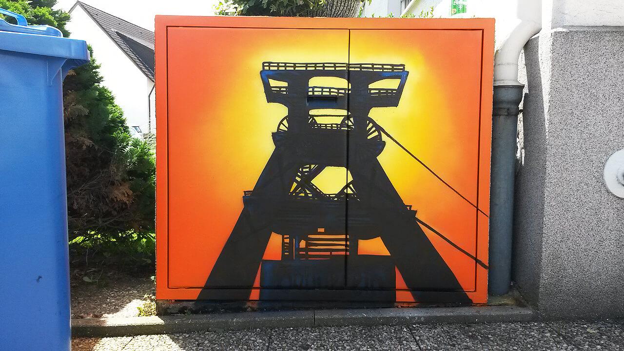 Zeche Zollverein Essen Graffiti auf Mülltonnen Box
